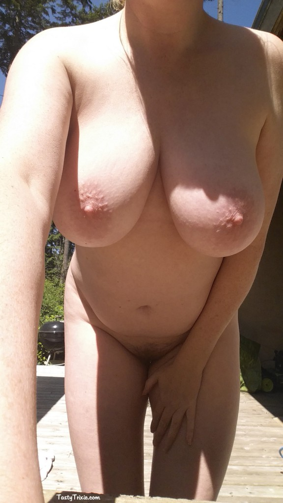 soft little belly & boobs