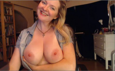 Busty Camgirl Trixie makes people smile!