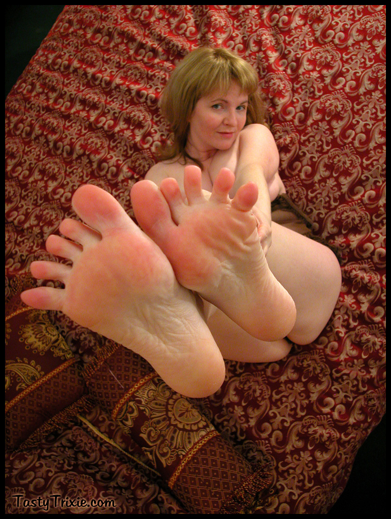 Nude Girls With Ugly Feet