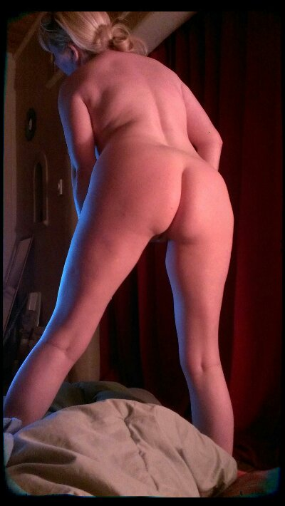 Tasty Trixie's backphat & leg with blue rimlight
